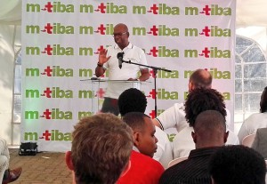 Collymore-adressing-the-media-300x207
